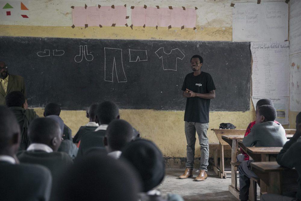Frank, en tidligere lærer og ingeniør, i et undervisningsprogram